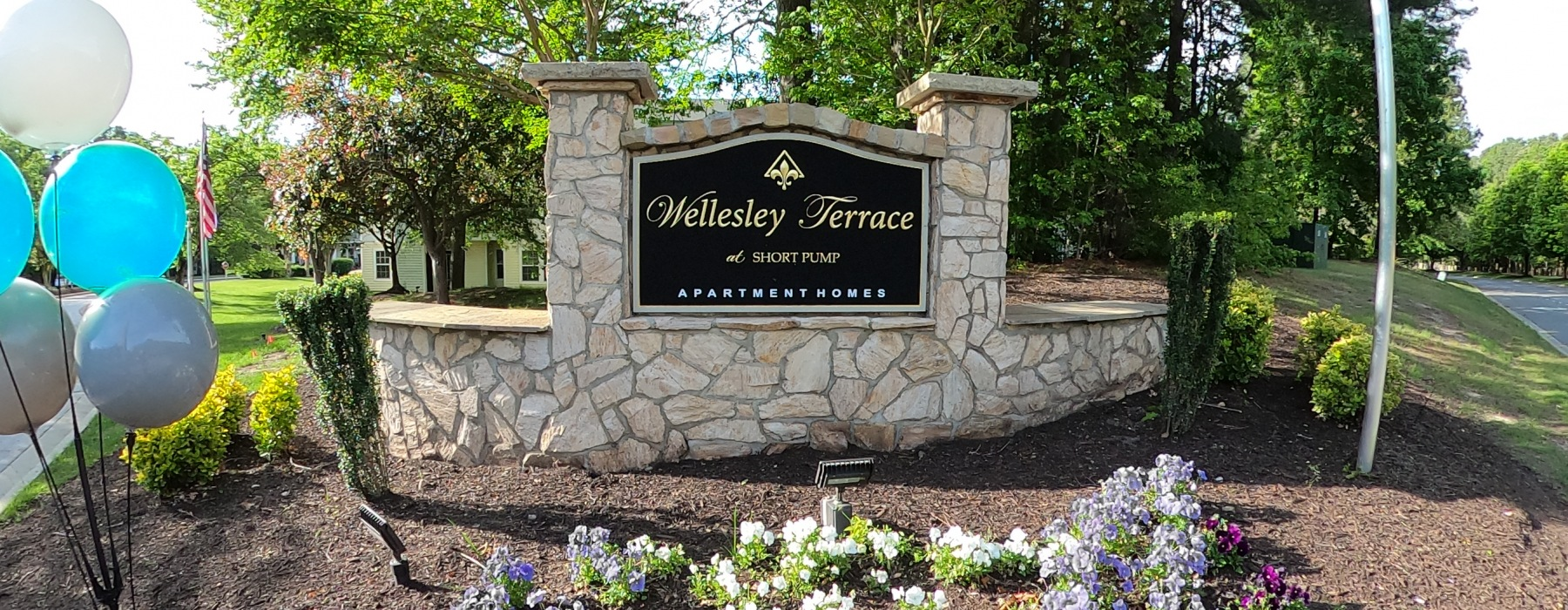 Wellesley Terrace entrance sign