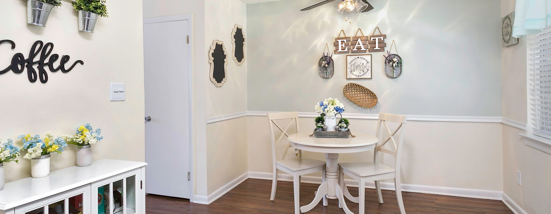 Open-Area Dining Space