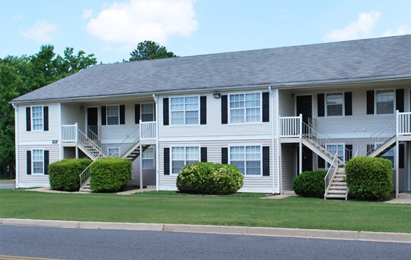 London Towne is an apartment community in Richmond, Virginia