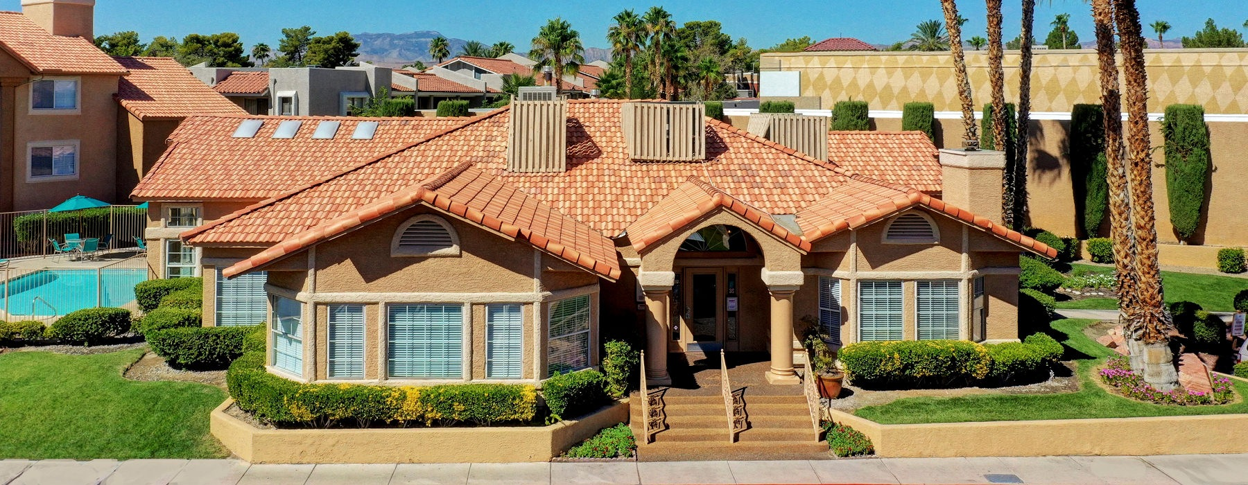 royal palms provides easy access to the Strip and I-15 and 215 freeways